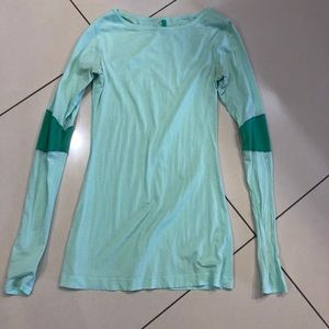 Lululemon Mint Green Long Sleeve Size 4